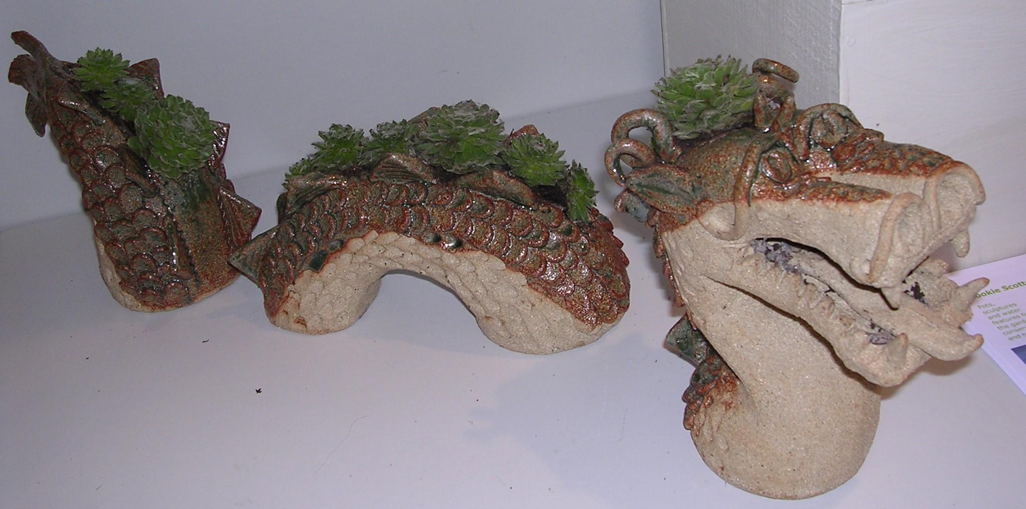 Small Three Part Dragon Planter Stoneware Cookie